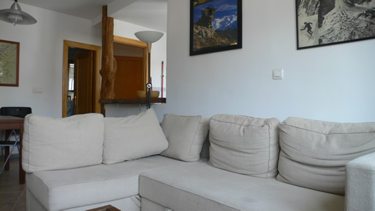 3 bedroom self-catered apartment (sleeps 8)